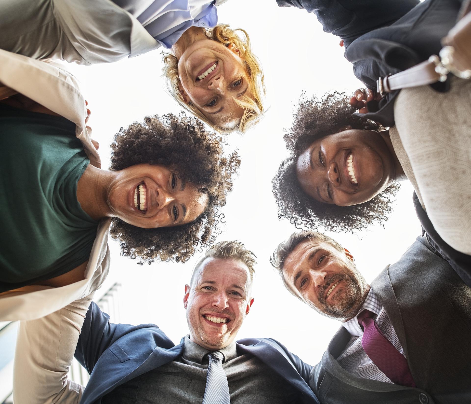 Las claves de la nueva jubilación, gente feliz